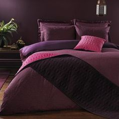Plum Bedding Set